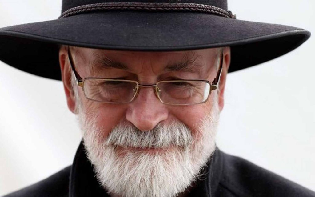 Evil begins when you begin to treat people as things - TERRY PRATCHETT